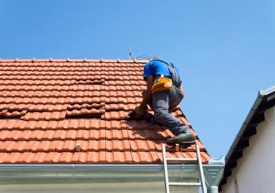Ремонт крыши, замена черепицы, замена профнастила на крыши, ремонт кровли